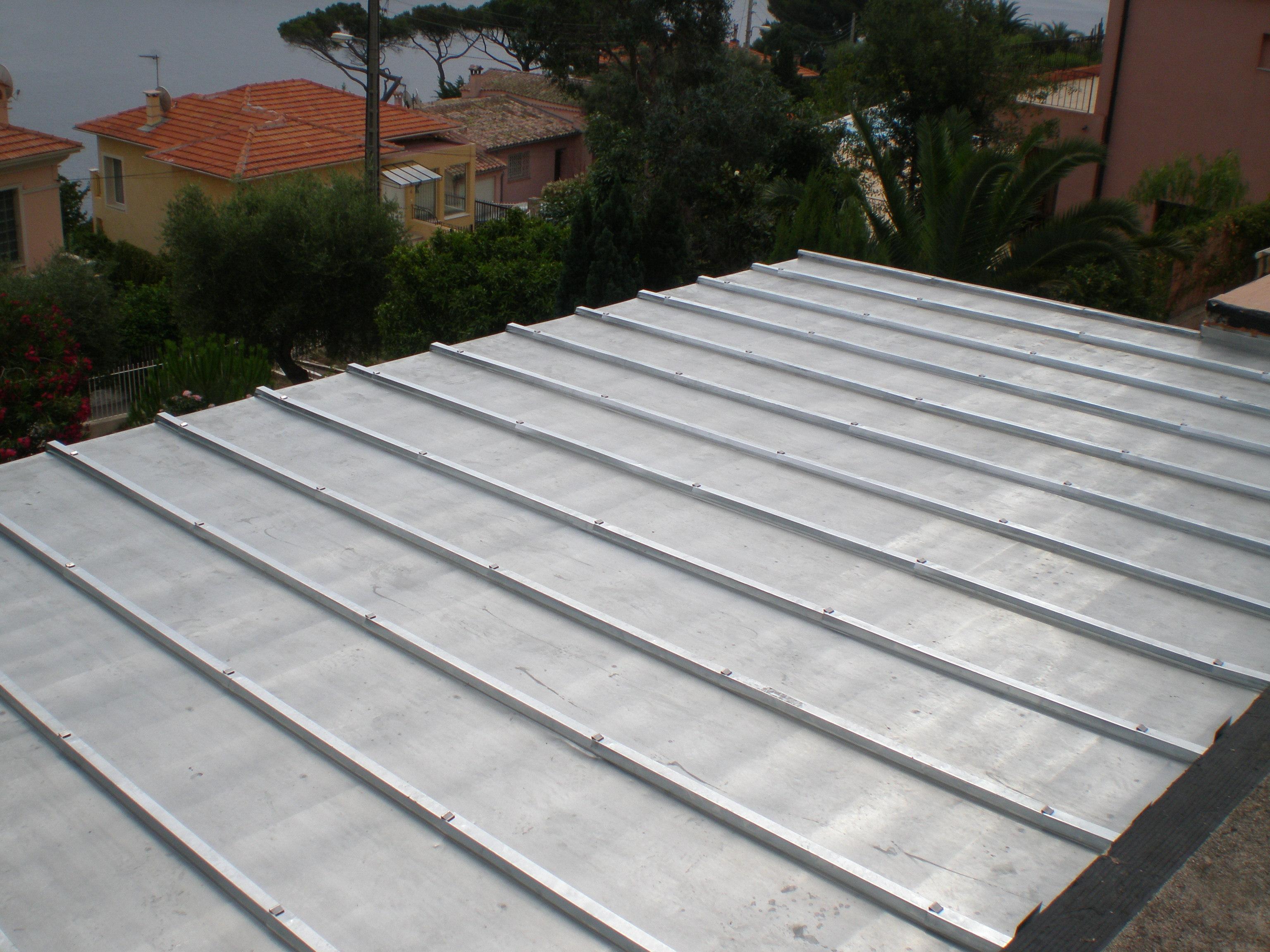 terrasse bois sur toiture zinc diverses id es de conception de patio en bois pour. Black Bedroom Furniture Sets. Home Design Ideas